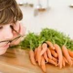 проблемы со зрением, лечение, морковный сок