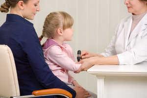 больной ребенок, детский врач